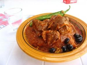 Cuscús, plato típico de Túnez (Foto flickr de oishii_mizu)