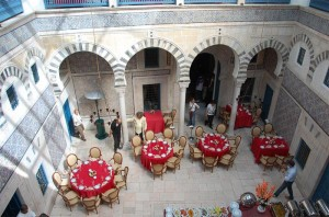 Restaurante en la medina de Túnez (foto flickr de  pisa3)