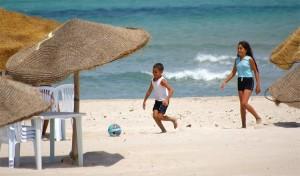 Las playas de Túnez son un buen lugar para los juegos familiares (Foto Flickr de sidick_sousse)