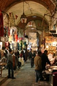 Mercado o Zoco en Túnez (Foto Flickr de ahisgett)