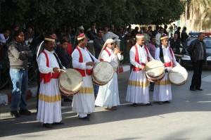 Músicos en las calles de Túnez (Foto flickr de Jon Brain)