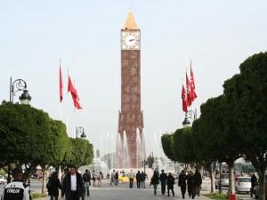 Torre del Reloj Hahib en la Avenida Bourguiba, en la avenida principal de Túnez (Foto Flickr de scottroberts)