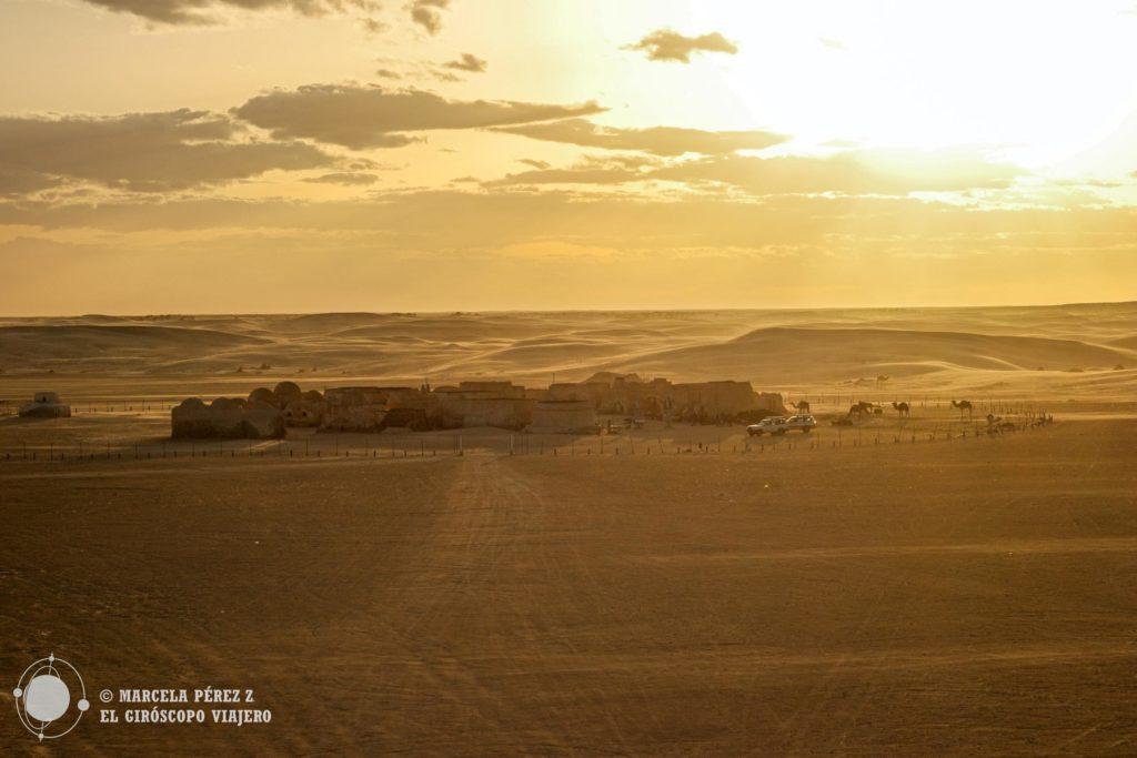 Atardecer en el impresionante escenario de Star Wars en medio del desierto ©Marcela Pérez Z.