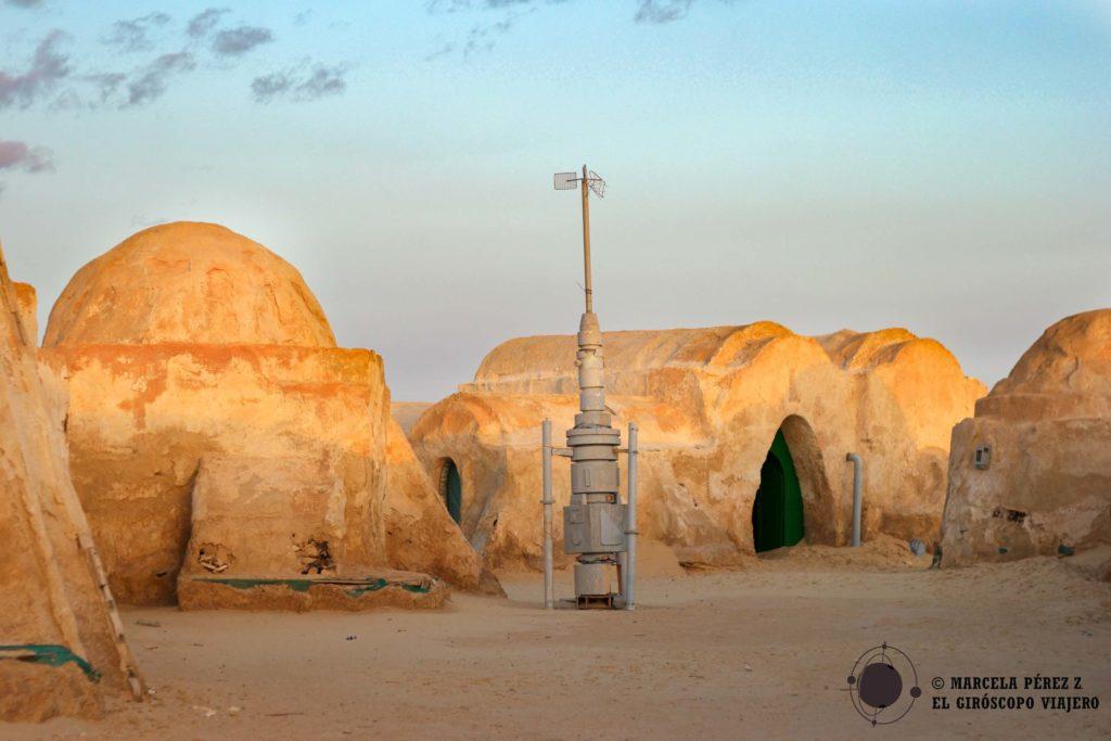 """Escenario de la película la """"Amenaza Fantansma"""" de la saga """"Star Wars"""" cerca del lago del Chott el Djerid ©Marcela Pérez Z."""