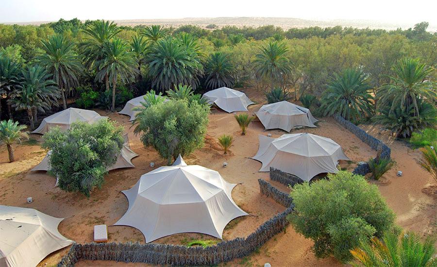 Campamento Yadisen el oasis de Ksar Ghilane